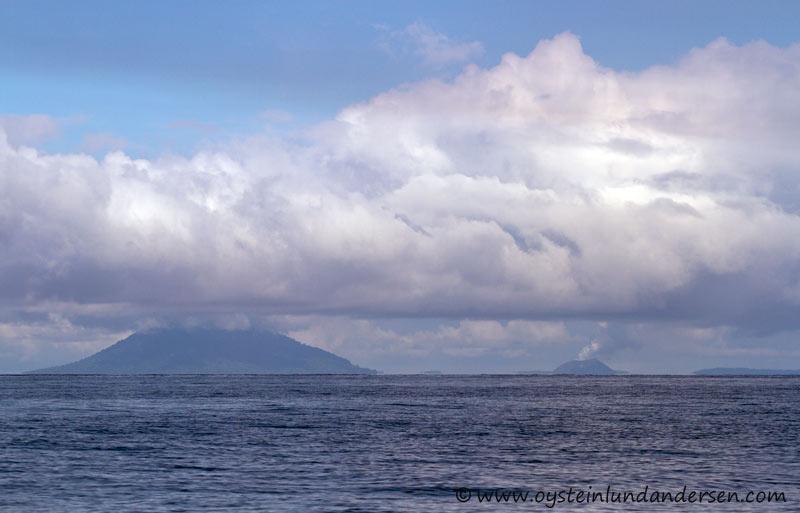 Anak-Krakatau-Feb2012-photo1
