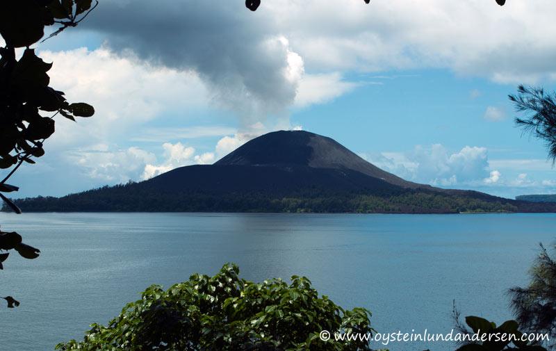 Anak-Krakatau-Feb2012-photo9