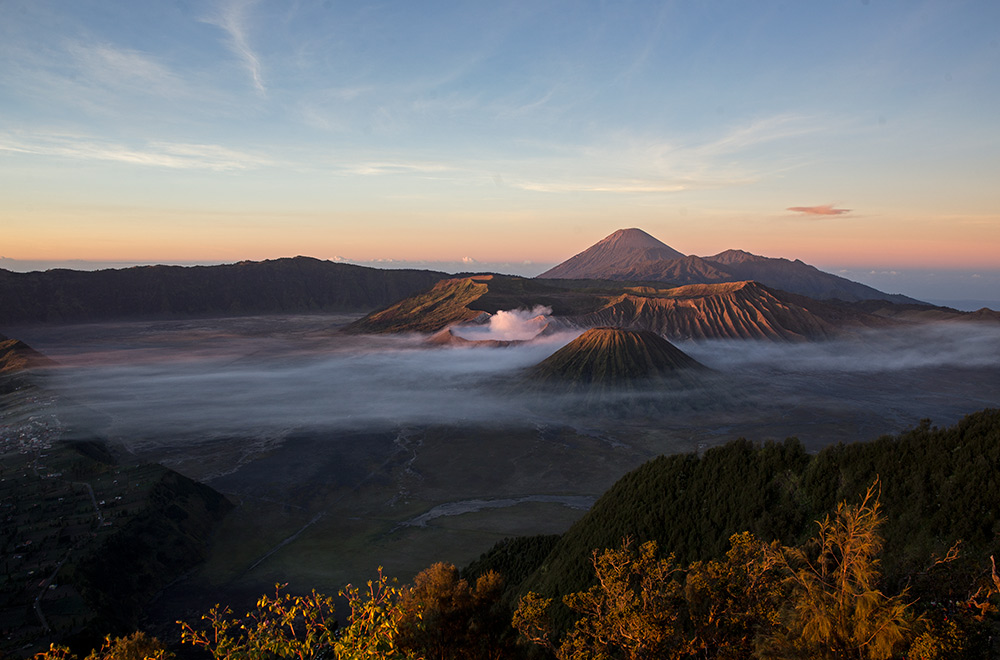 Bromo-Tengger-Semeru-Indonesia-june-2015-IMG_2273
