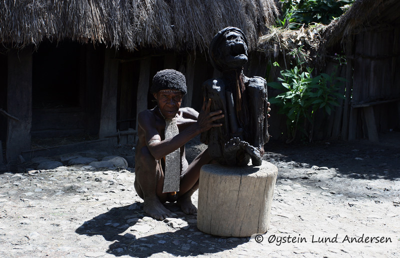 The Dani people have a history of mummifying their dead. The ones who were, was important village/war chiefs according to local legend. This custom is however not continiued until today, however the ones from the past remains. This one here being shown to tourist for a small pay. (2009)