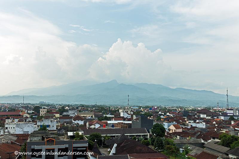Galunggung-volcano-tasikmalaya-2014-(IMG_5329)