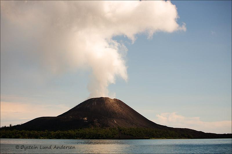Krakatau-volcano-june-2013(IMG_5628jpg