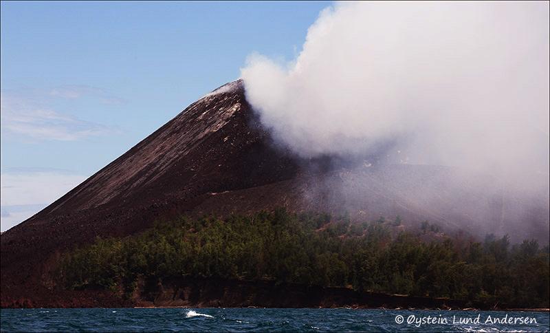Krakatau-volcano-june-2013(IMG_6192