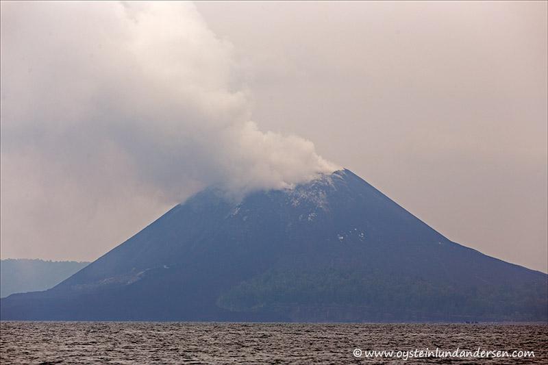 Krakatau-volcano-november-2013(IMG_5740)