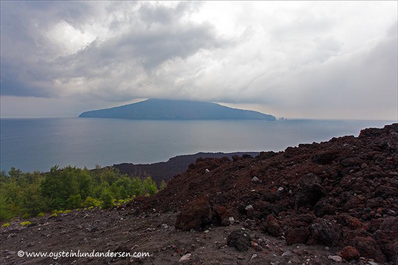 Krakatau-volcano-november-2013(IMG_5862)