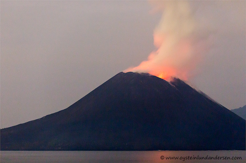 Krakatau-volcano-november-2013(IMG_6182)