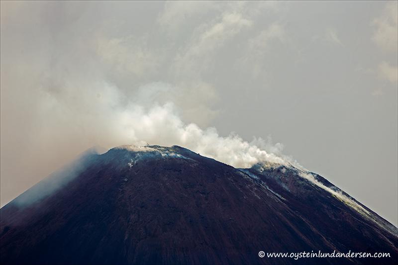Krakatau-volcano-november-2013(IMG_6312)