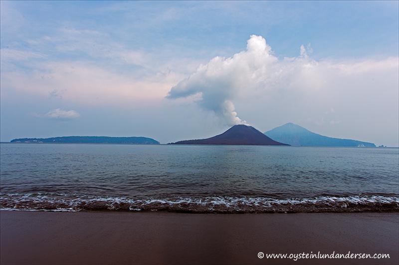 Krakatau-volcano-november-2013(IMG_6561)