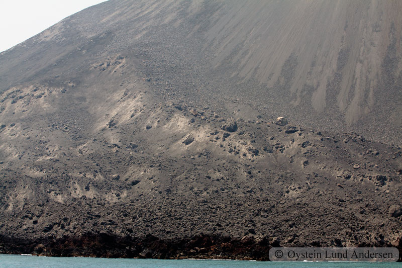 Krakatoa_aug2011_x12