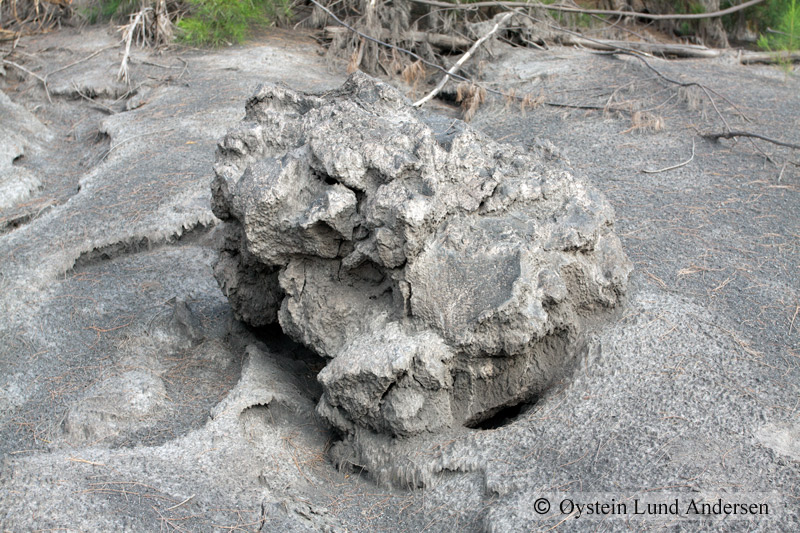 Krakatoa_aug2011_x19