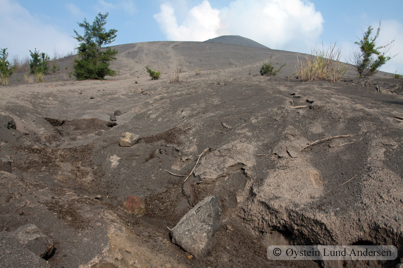 Krakatoa_aug2011_x21