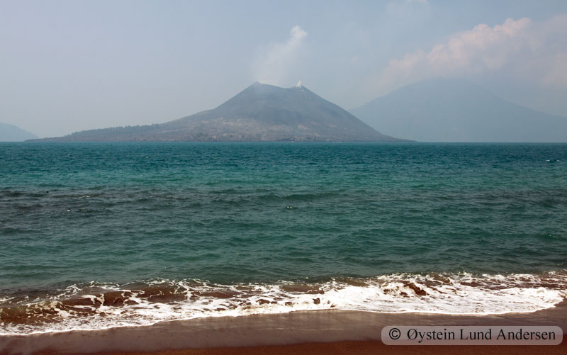 Krakatoa_aug2011_x7