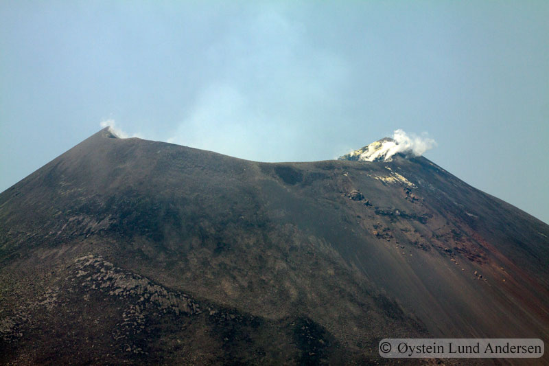 Krakatoa_aug2011_x9