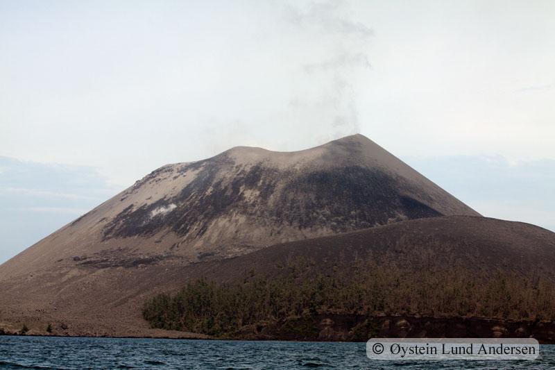 Krakatoa_jan2011_x1