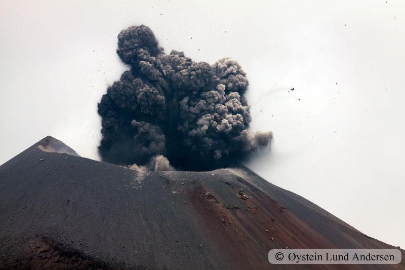 Krakatoa_jan2011_x15