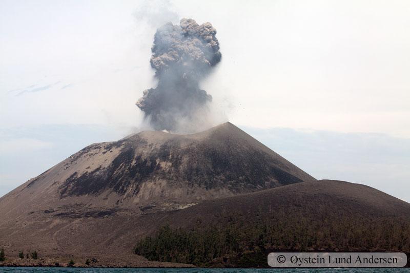 Krakatoa_jan2011_x3