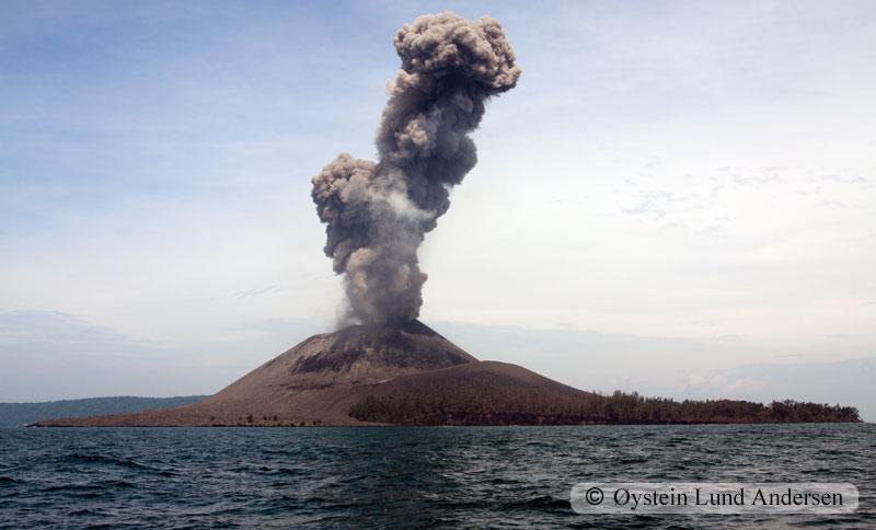 Krakatoa_jan2011_x5