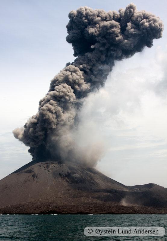 Krakatoa_jan2011_x6