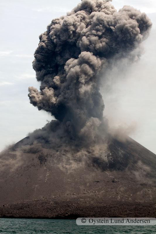 Krakatoa_jan2011_x7