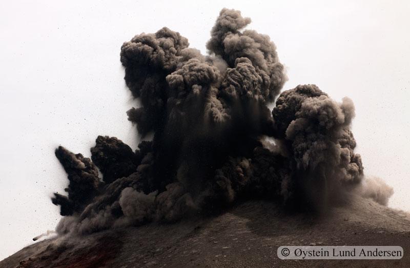 Krakatoa_jan2011_x8