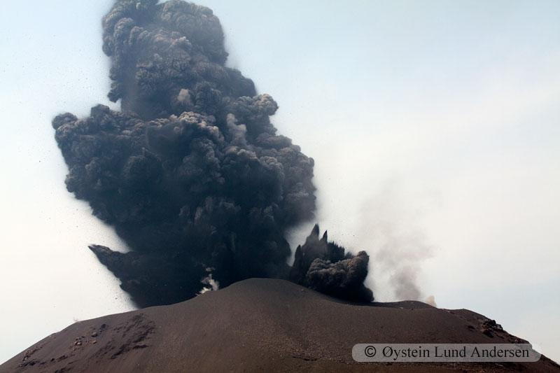 Krakatoa_jun2011_x19