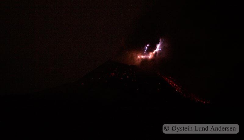 Krakatoa_jun2011_x3