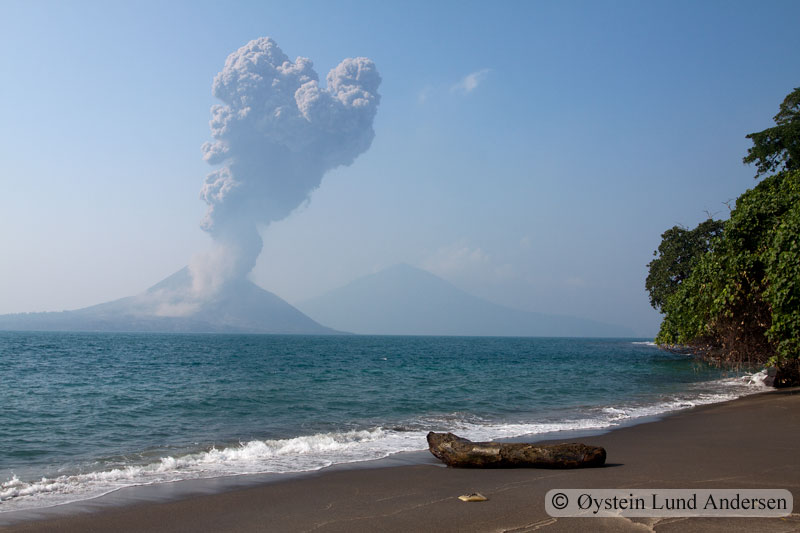 Krakatoa_jun2011_x5