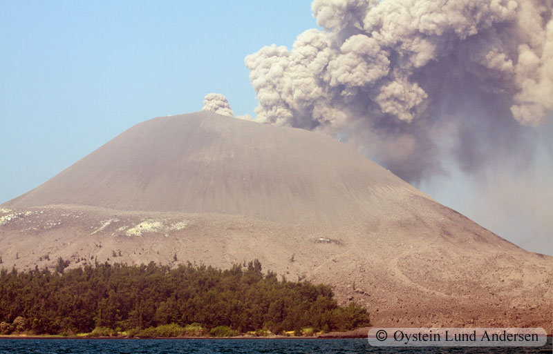 Krakatoa_jun2011_x7