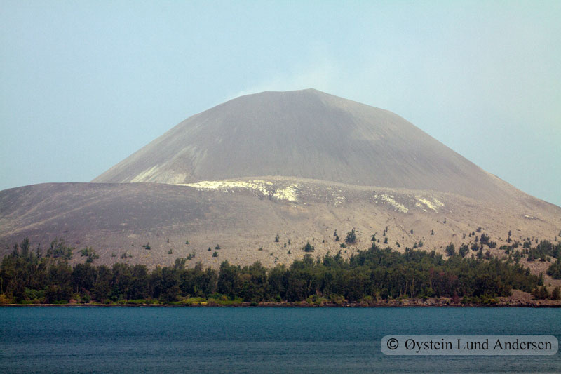 Krakatoa_jun2011_x8