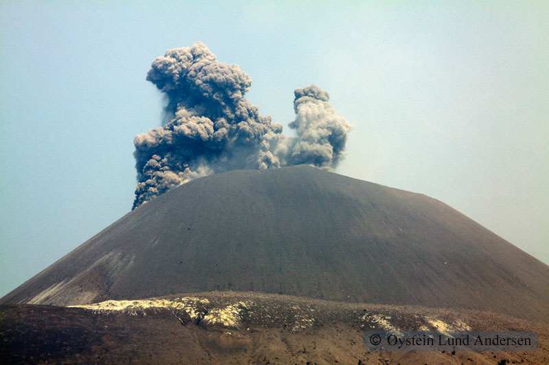 Krakatoa_jun2011_x9