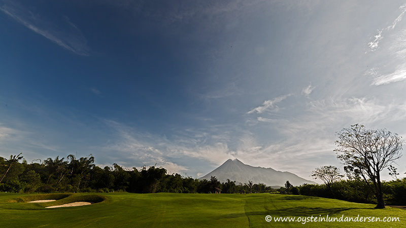 7. Merapi seen from a golf field south of the mountain. (07:51)