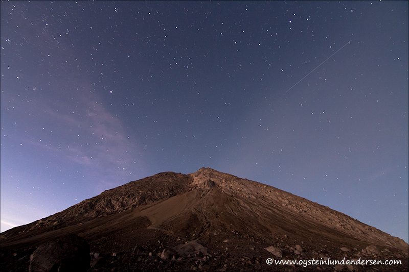 An satellite passing over Merapi. (27th October 2012)