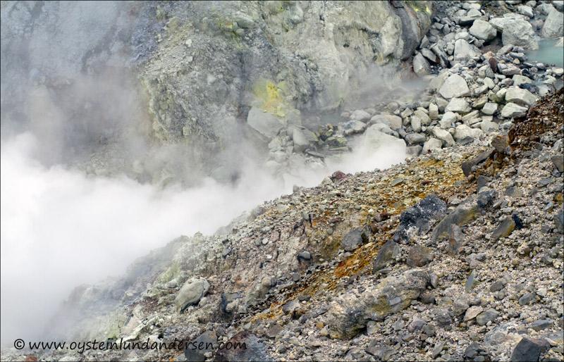 Papandayan-volcano-2012-x11