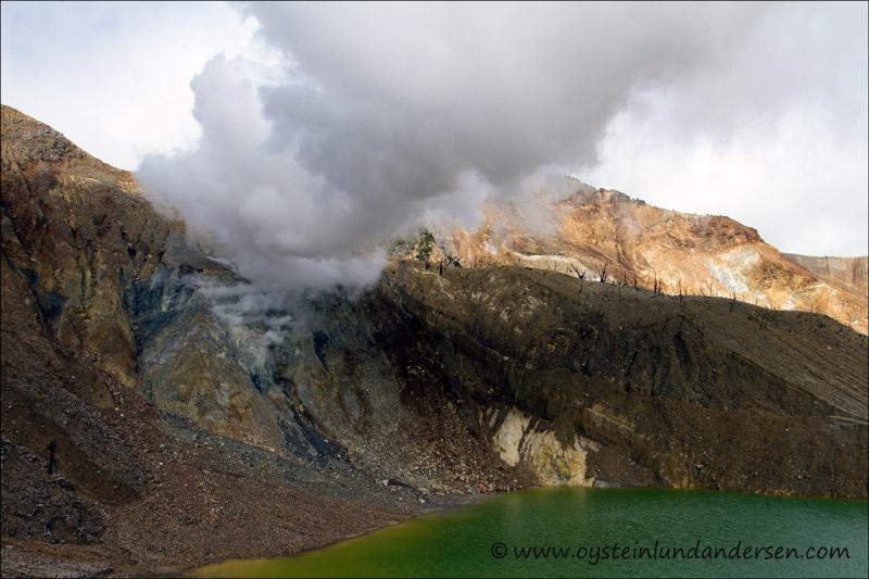 Papandayan-volcano-2012-x17