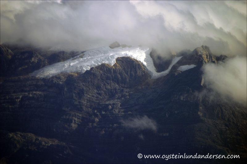 Puncak Jaya glacier (August 2004)
