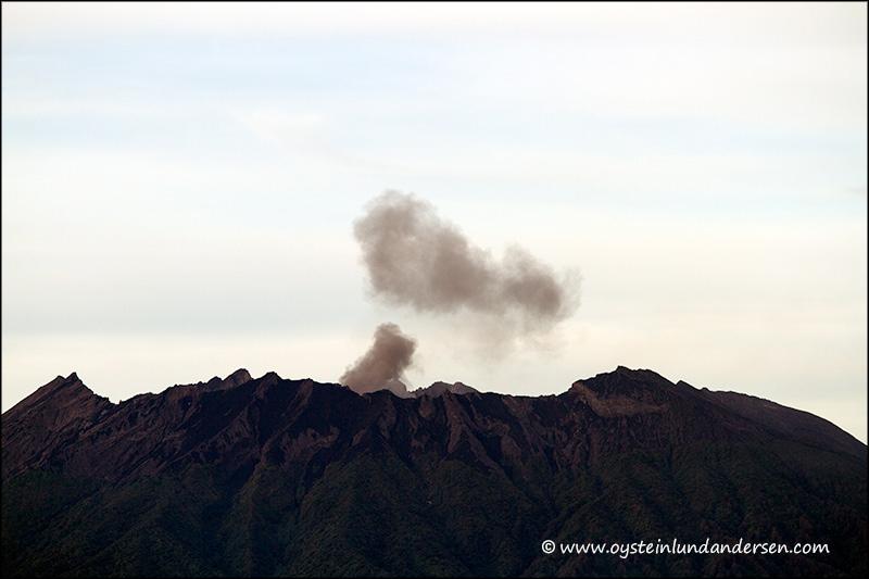 Raung-volcano-2012-x1