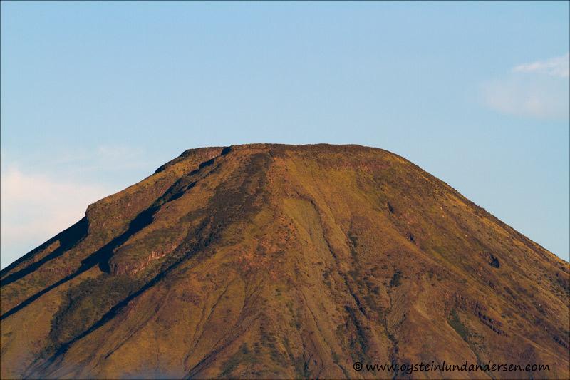 Sindoro-volcano-Indonesia-x4