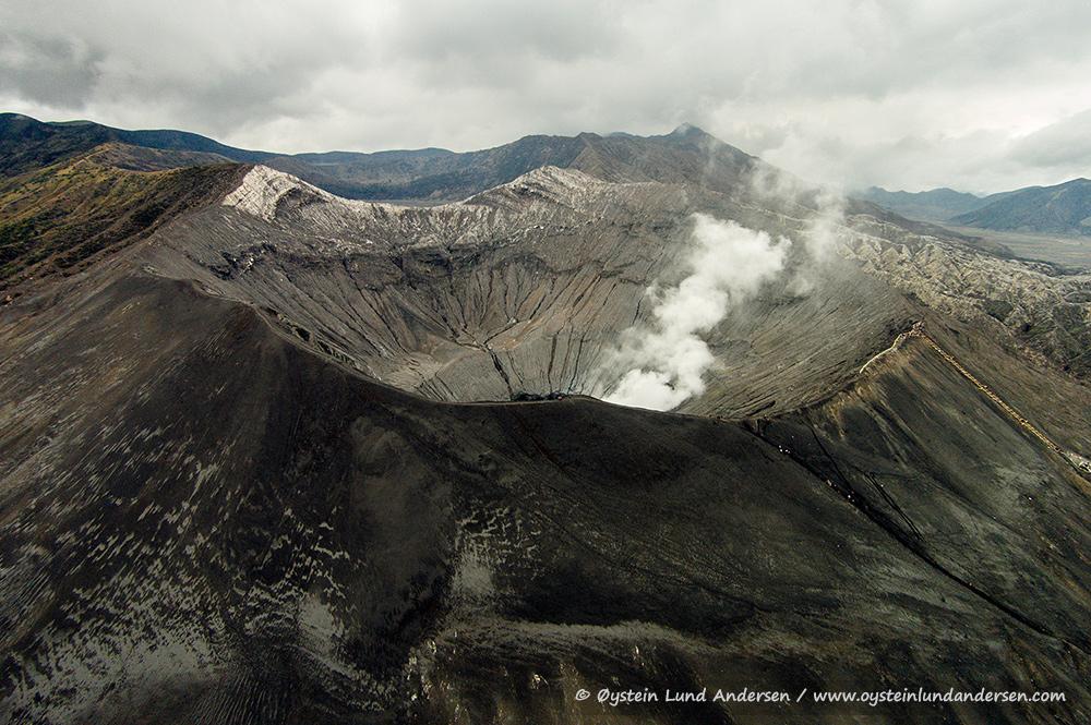 Tengger-Bromo-volcano-desember-2014-(DJI00728)