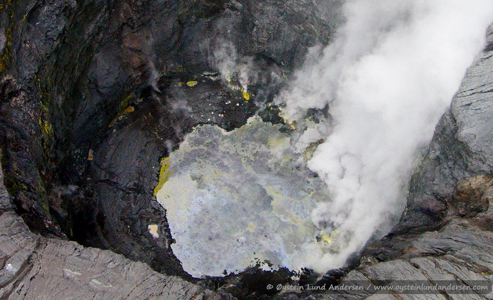 Tengger-Bromo-volcano-desember-2014-(DJI00748x1)