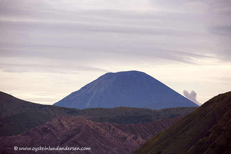 Tengger-Bromo_volcano_june-2013-(IMG_6628)