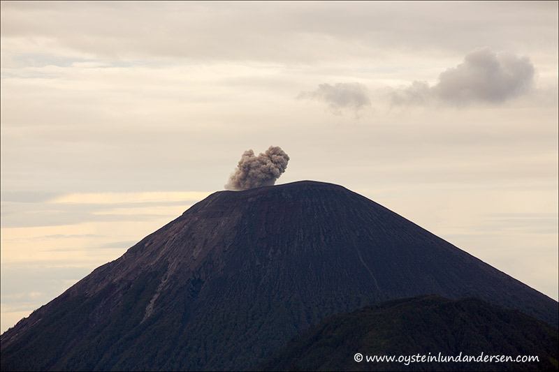 Tengger-Bromo_volcano_june-2013-(IMG_7231)