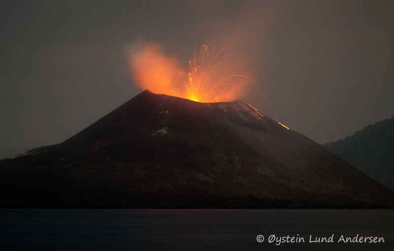 anak-krakatau-13november-2011x11