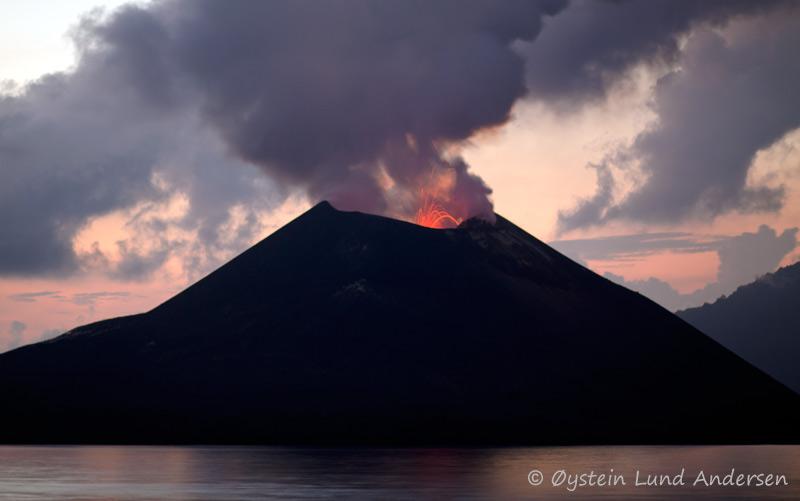 anak-krakatau-13november-2011x3