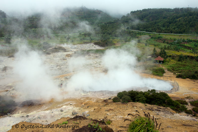 Sikidang crater.