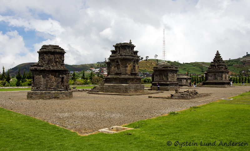 The Dieng temple complex. Built around 750 CE, they are the oldest known standing stone structures in Java. They are originally thought to have numbered 400 but only 8 remain.