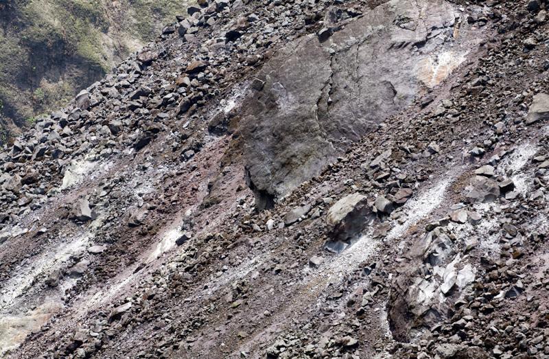 kelud-volcano-30okt2011-x8