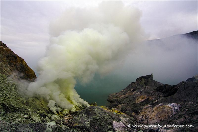 Ijen_volcano-2012-x5-1