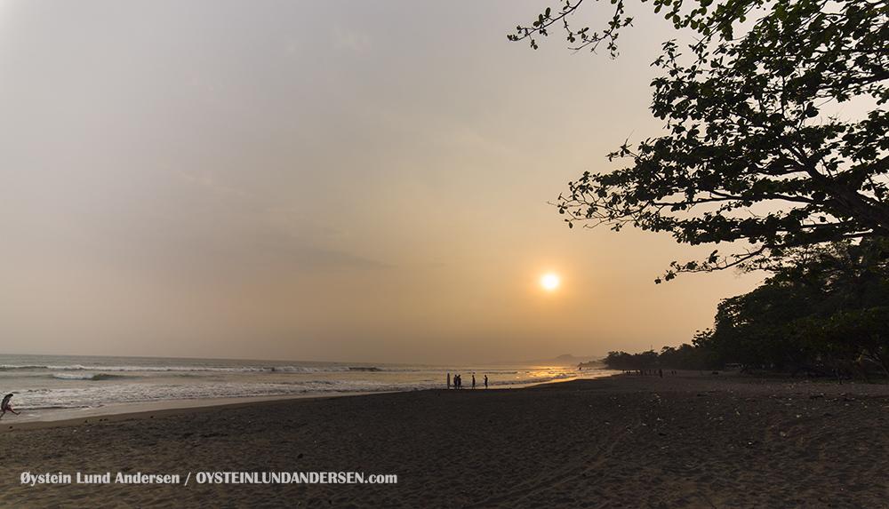 Pelabuhan-Ratu-West-Java-Indonesia-(IMG_0783)