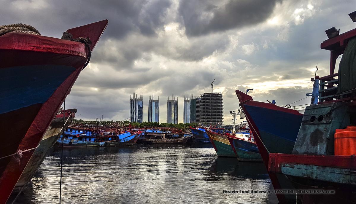 Muara Baru Jakarta harbour pelabuhan muara baru Indonesia 2016 boat kapal
