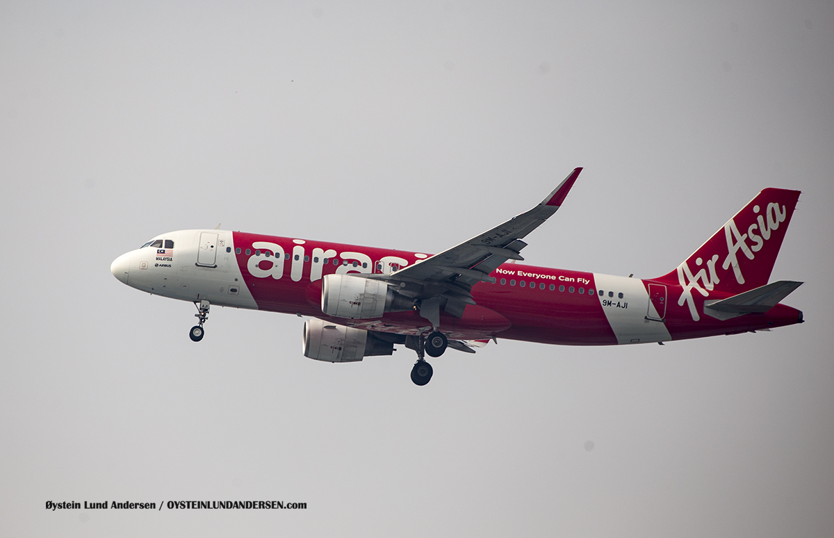Jakarta Airport Sukarno Hatta (CGK) Air Asia Malaysia Airbus 320 (9M-AJI